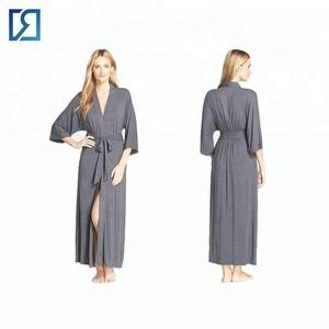 f3b7f81ff0 Delicates Robe