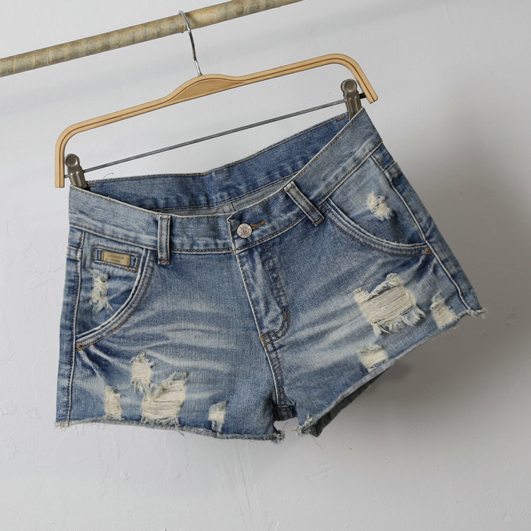 China jeans factory wholesale light blue ripped womens jean short