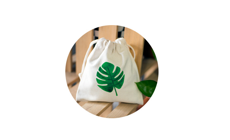 Lovely plant pattern cotton gift pouch14X16cm fresh design palm leaf pattern cotton drawstring bag