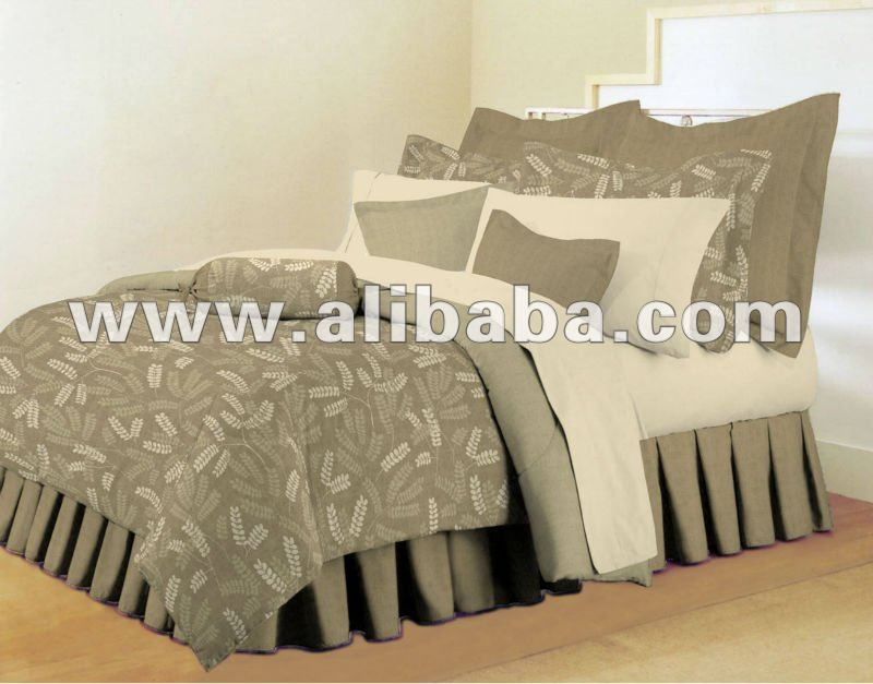 BED SKIRT SET: 100% Cotton Bed Skirt set, Poly Cotton Bed Skirt set, Bed skirt sets in all materials and sizes from Pakistan