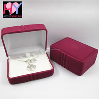 Wholesale velvet foam inserts plastic jewellery gift box for necklace