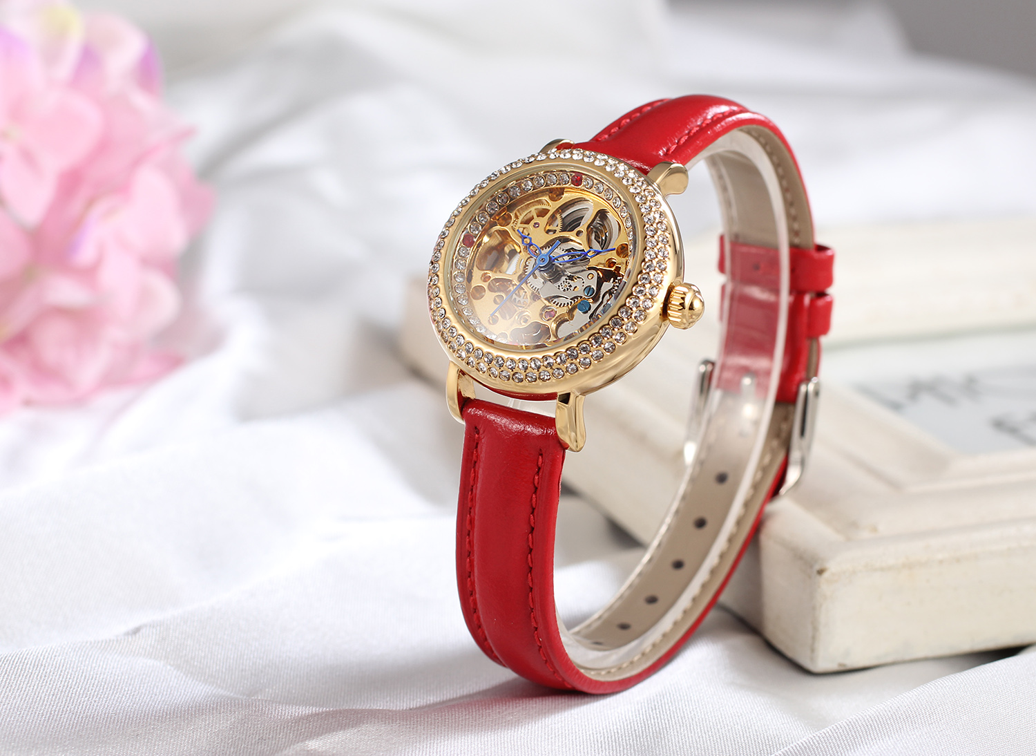 2018 FORSINING Luxury Design Girl Latest Hand Fashion Lady Watch With Automatic Movement Genuine Leather