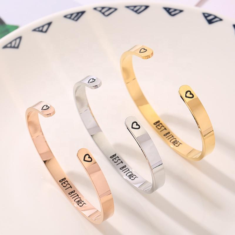 سوار من الفولاذ المقاوم للصدأ مفتوح الكفة مجوهرات الصانع مخصص محفورة رسالة ملهمة سوار المرأة