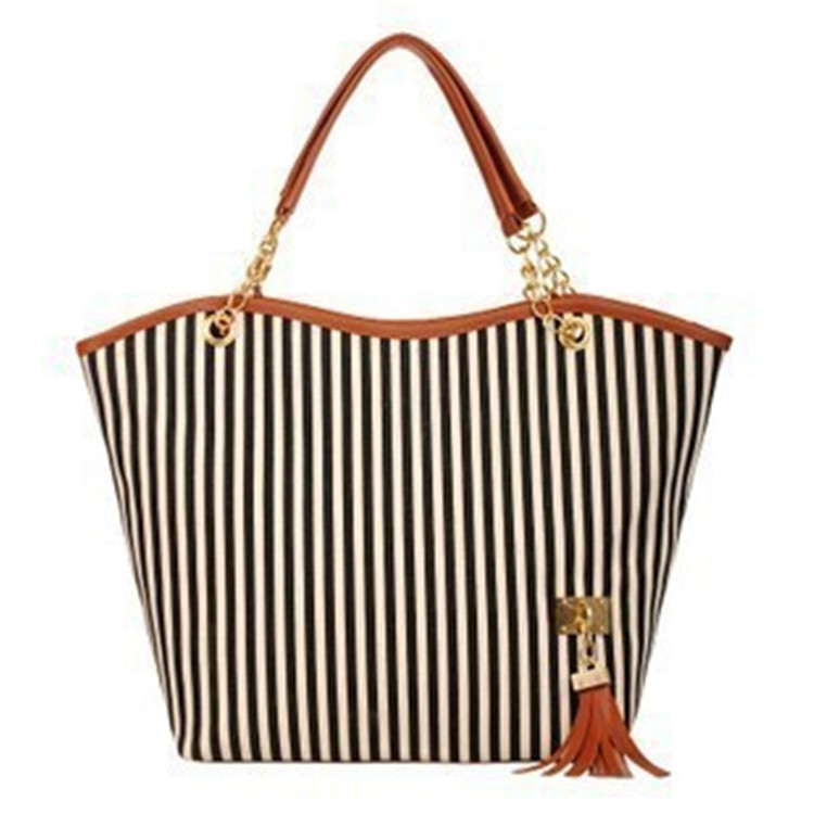 2017hot sell shrink fashion leather tassel tote bag newest pictures lady fashion <strong>handbag</strong>