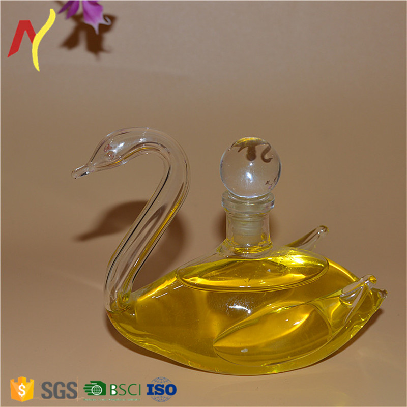 100ml innovative mini animal swan shaped glass bottle for oil wine and whisky