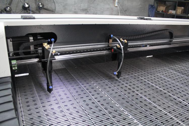 laser machine05.jpg