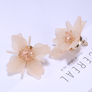 2018 Latest Design Fashion Unique Jewelry Flower Acrylic Stud Earrings For Women