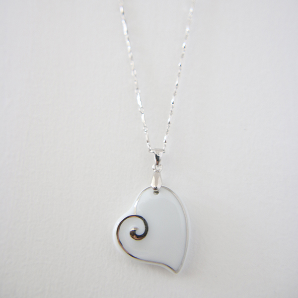 imitation large pearl pendant necklace heart locket necklace