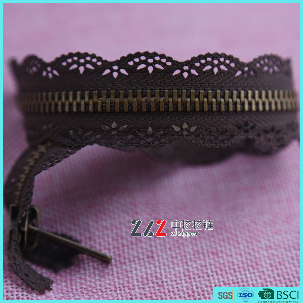 Anti-brass metal lace zippers