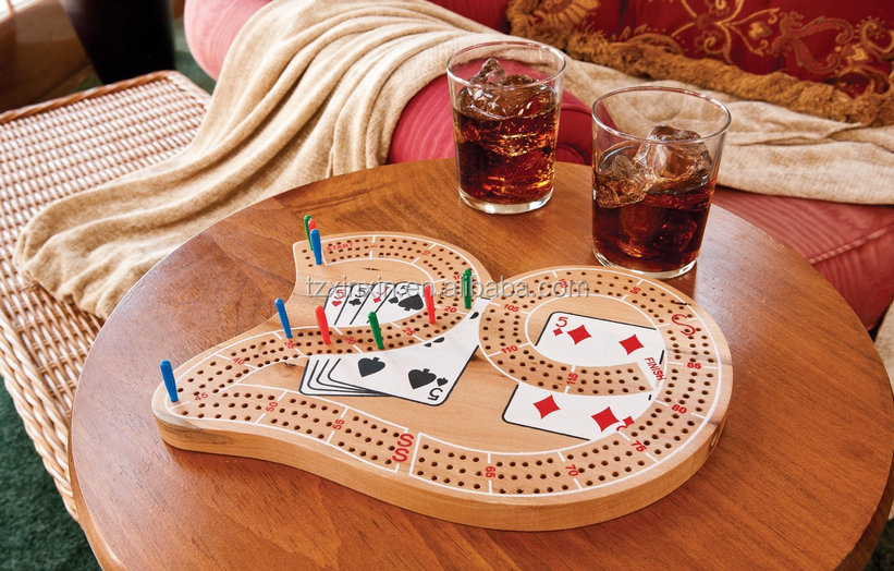 table games//wood material/cribbage board game