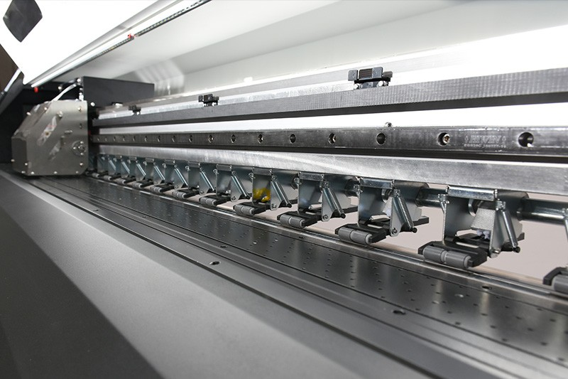 High resolution and speed wit/color eco solvent printer
