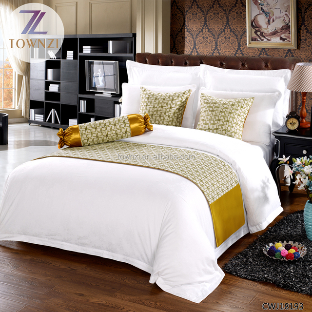 Customized Size Logo Printing Cotton Bedding Set Luxury Bed Runner  Comfortable Hotel Bed Sheet Duvet Cover
