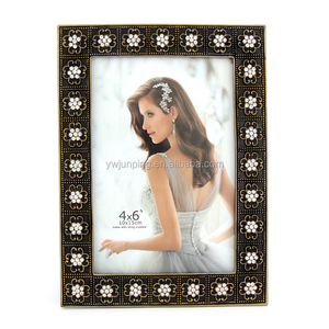 new manufacturer factory customized 7 inch english sexy metal gold photo frame