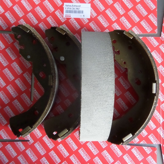HIGH QUALITY Brake shoe set UJY6-26-38Z