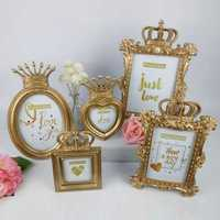Murals European Vintage Carved Gold Crown Photo Frame set Creative Home Resin Craft Gift Nordic Home Decoration
