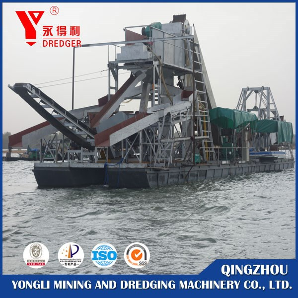 Gold Dredging ship with gold extraction machines