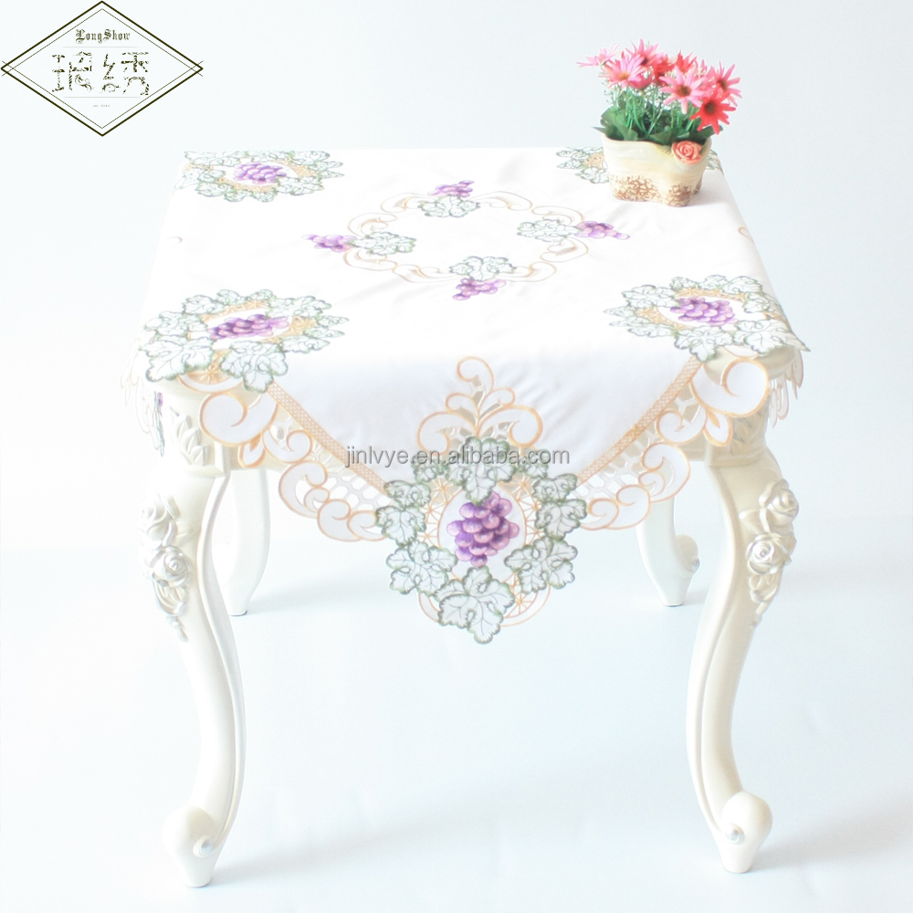 2017 Newest Luxury Embroidered Satin Table Cloth With Cutwork