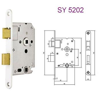 Bathroom Lock You With Door Locked From Inside How To Pick A. How To Pick A Bedroom Door Lock   Bethfalkwrites com