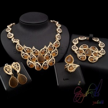 Diffe Types Indian Jewellery Set