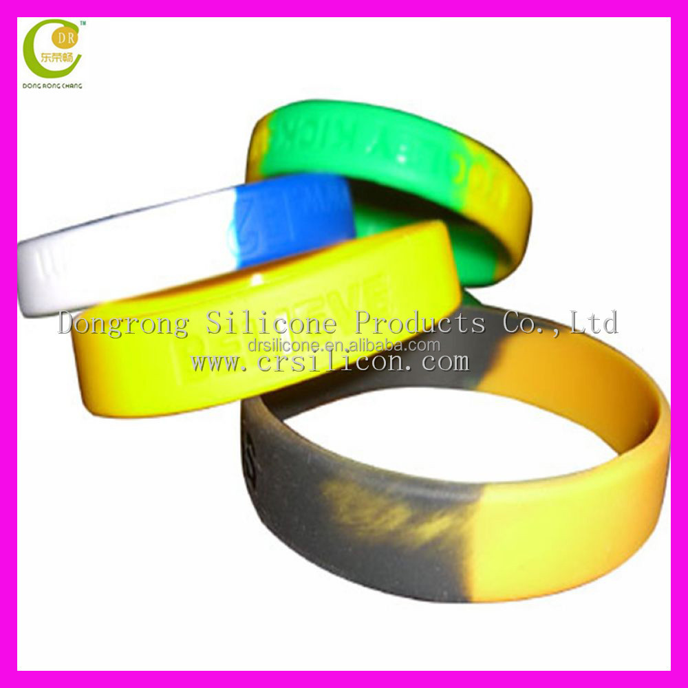 Debossed swirl personalised embossed silicone bracelet cheap custom debossed silicone bracelet selling in Europe