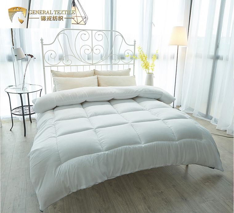 Certificated light soft white goose down quilt for 5 star hotel