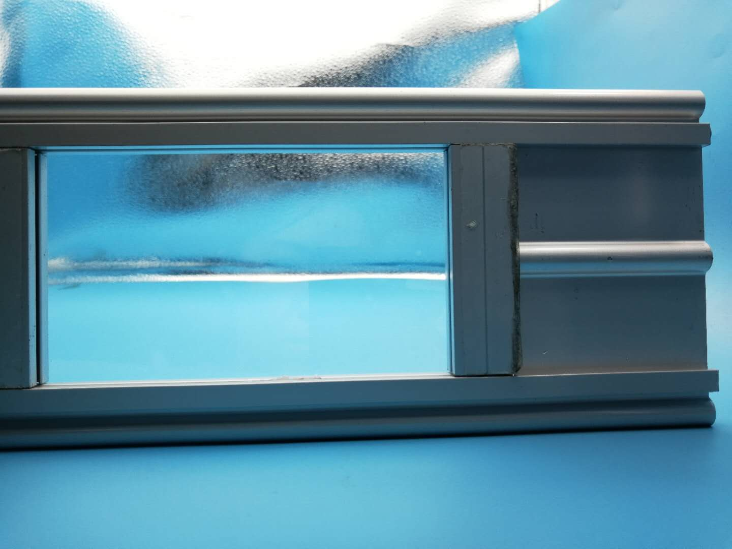 150mm Width Of The PC Slat Size 6000mmW*3000mmH 24 Hours Display Transparent Polycarbonate Folding Door