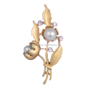 Fashion Rhinestone Flower Brooch Pearl Crystal Brooch With WeddingBR1-1495-2111