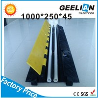 good appearance and convenient 3 Channels Cable Guard/traffic cable protector for event and performance