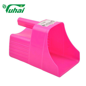 Hot Sale Large Capacity Plastic Feeding Scoop For Horse Hay Feeder