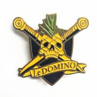 Specialized soft enamel metal custom pin badge