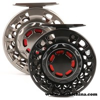Large line capacity100% waterproof saltwater fly reel