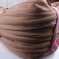 Wholesale long chain nylon zipper rolls for garment