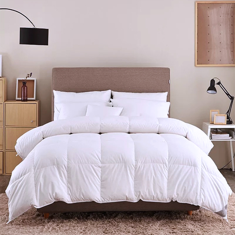 C30 Home Textile White 350gsm Microfiber Baby Quilted Down Feather Hotel Comforter