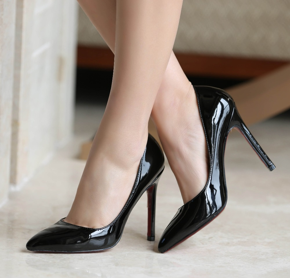 Women's high heels for size 10 can be worn as low or as high as suits your style: Flats - These shoes have a heel that is up toinches high. Low - A low heel runs betweeninches and inches high.