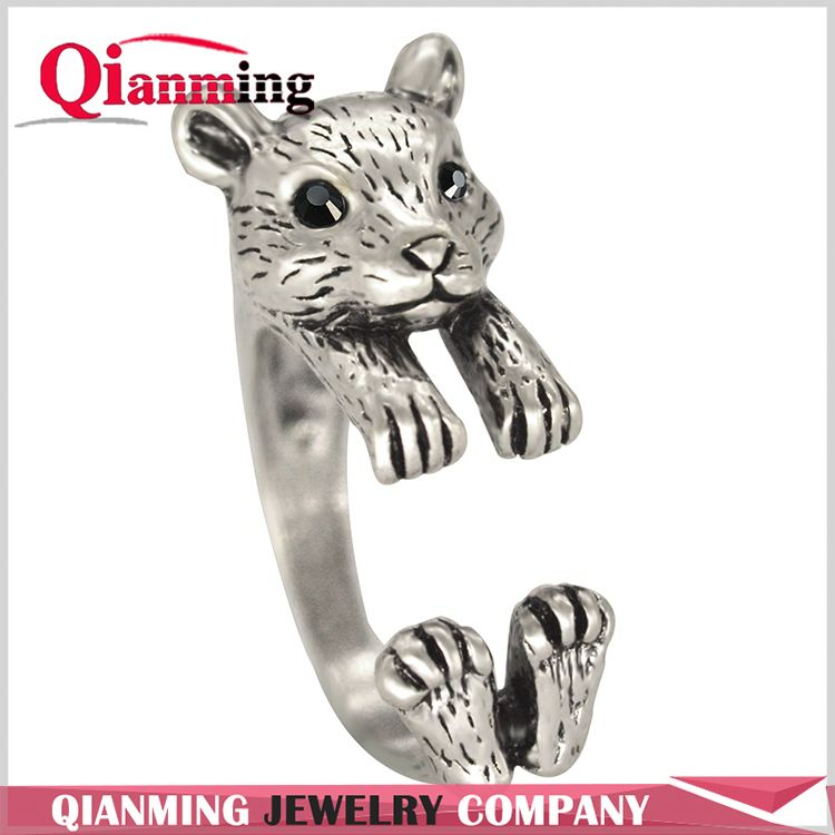 Antique Silver Resizable Animal Ring Women Lover's Ring Clever 3D Handmade Squirrel Accessory