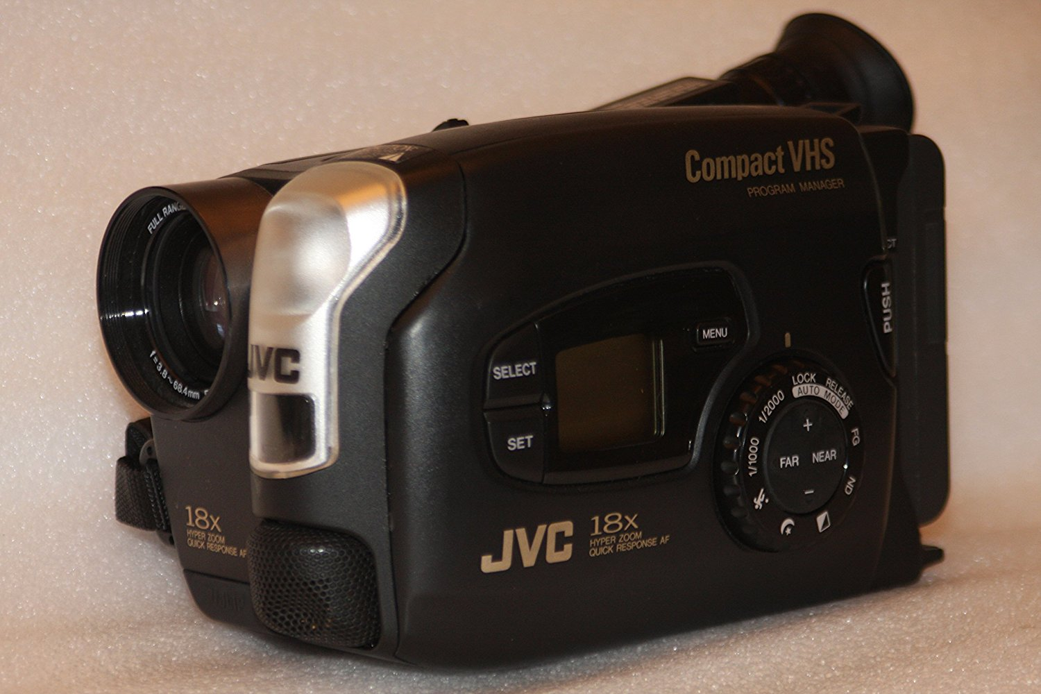JVC GR-AX720 Compact VHS Camcorder with 18x Hyper Zoom and Color Viewfinder