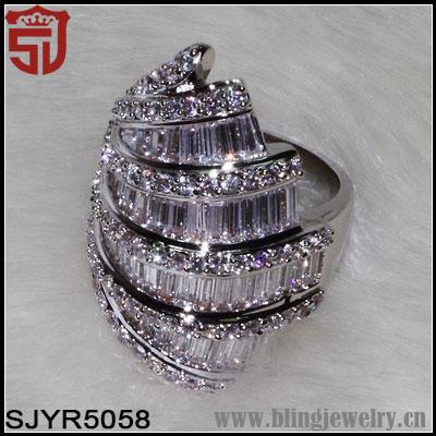 fausse bague diamant