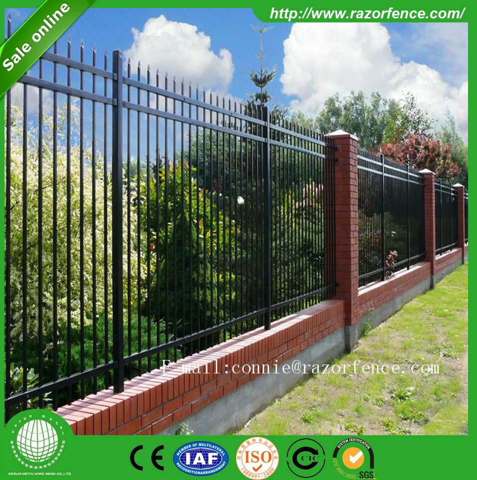 Standard temporary fencing lows on a building site competitive standard temporary fencing lows on a building site competitive temporary fencing panels home depot baanklon Image collections