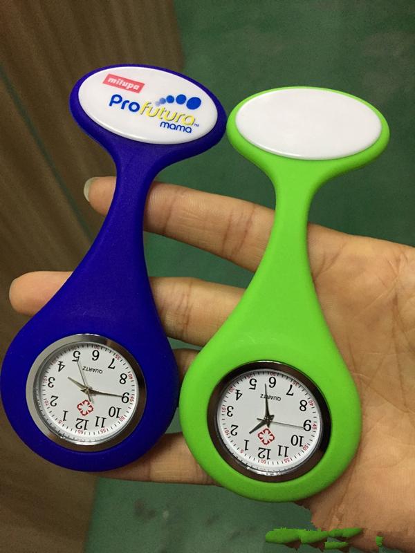 공장 Custom logo 실리콘 도매 Pocket 간호사 FOB clock 브로치 실리콘 와 핀 Clip 간호사 watch