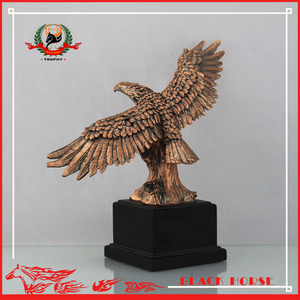 Pretty Wholesale Hot Design Hot Sales Customized Trophy Cup with Eagle