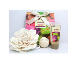 Sweet Refreshing, Moisturizing,& Smoothing Gel & Fizzer Bath Gift Set