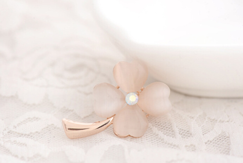 High Quality 2014 New Arrival Opal Lucky Four Leaf Clover Brooches Fashion Women/girl Pins Clothes Ornaments