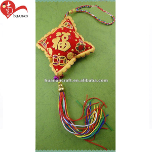 Car aromatic hanging parrot decoration handmade jewelry Chinese knot