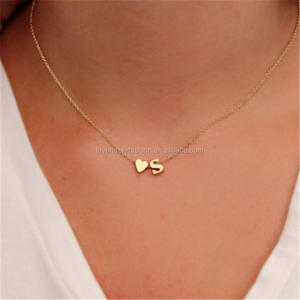 Factory directly selling simple charm pendant necklace Heart and Letter Personalized Necklace