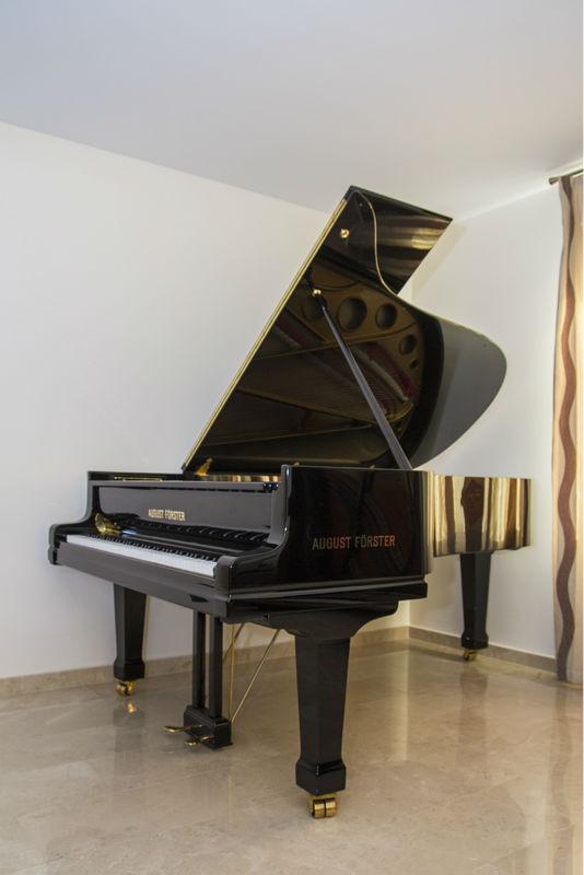 Piano Besar August Forster Model 215 Cm Mainan Alat Musik
