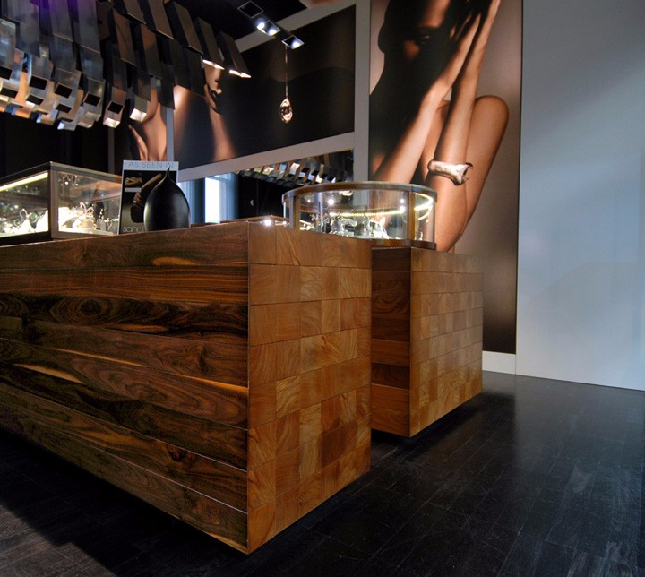 Bunda-Boutique-Snell-Architects-04.jpg