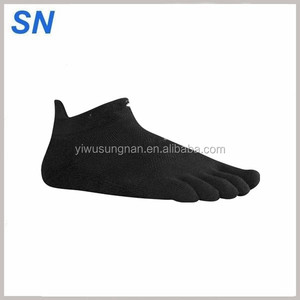 wholesale fashion custom Lightweight No Show Toe Socks