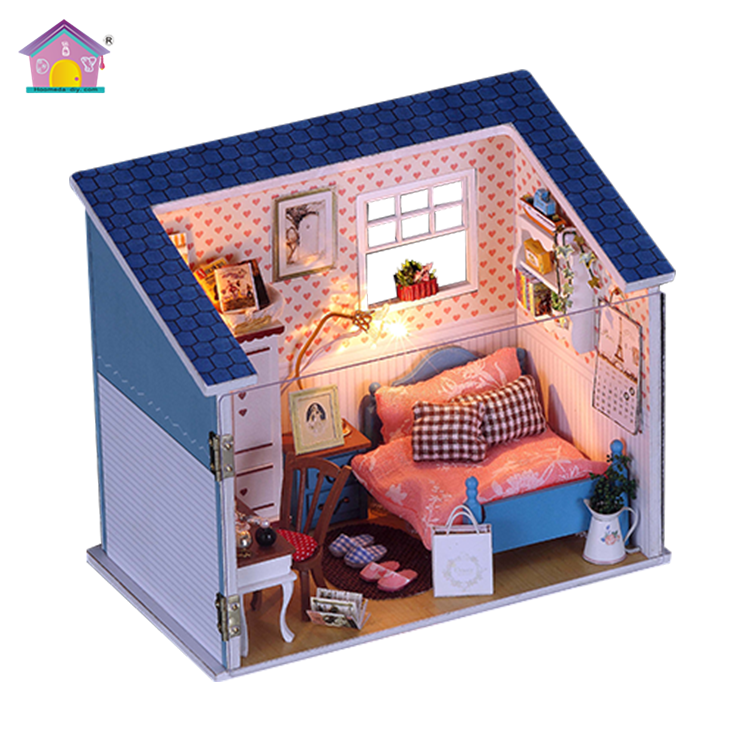 2017 New arrival doll house miniature wooden toys educational guangdong