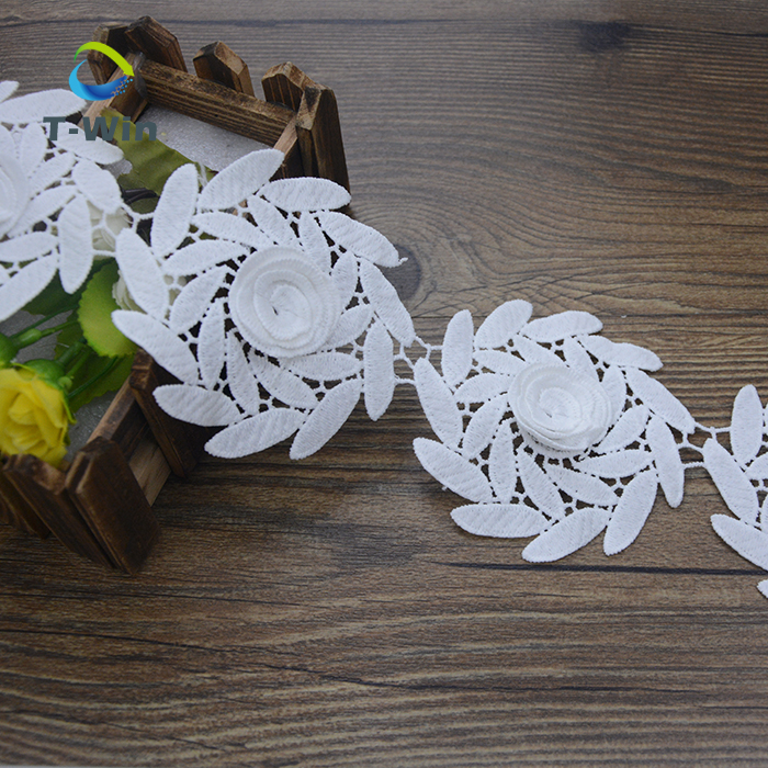 Produsen Baru Renda Pemangkasan/Perak Tengkorak Manik-manik Lace Potong/Hot Desain Bordir Bunga Leher Renda