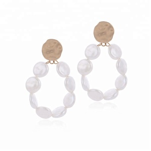 Duoyun Vintage Fashion Jewelry White Freshwater Pearl Earring Irregular Shape Pearls Pendant Golden Stud Earrings for Women